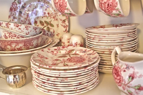 dishes to match the flowers