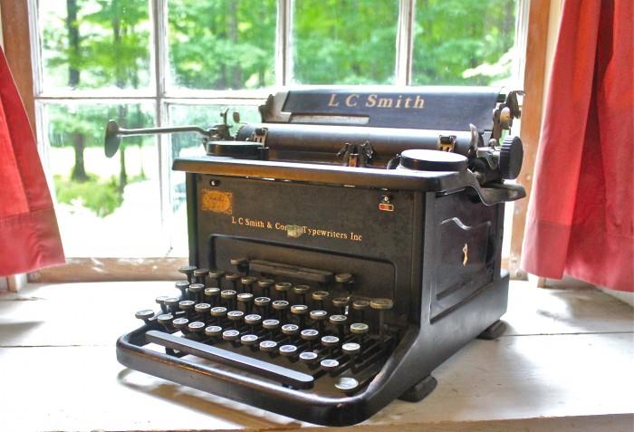 Gladys' typewriter