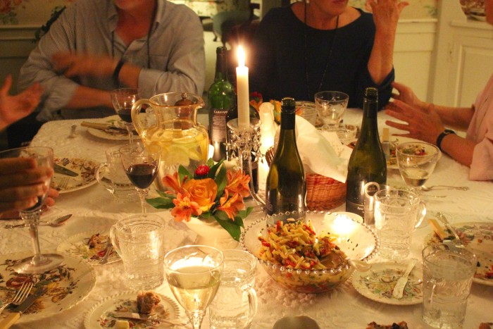 table setting dinner party
