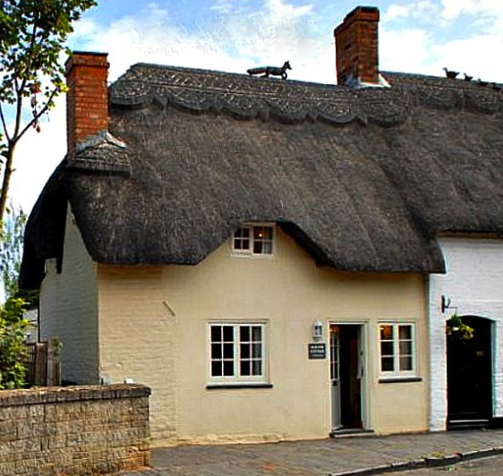 old-fox-cottage-cotswolds-unique-home-stays-cover-611x587
